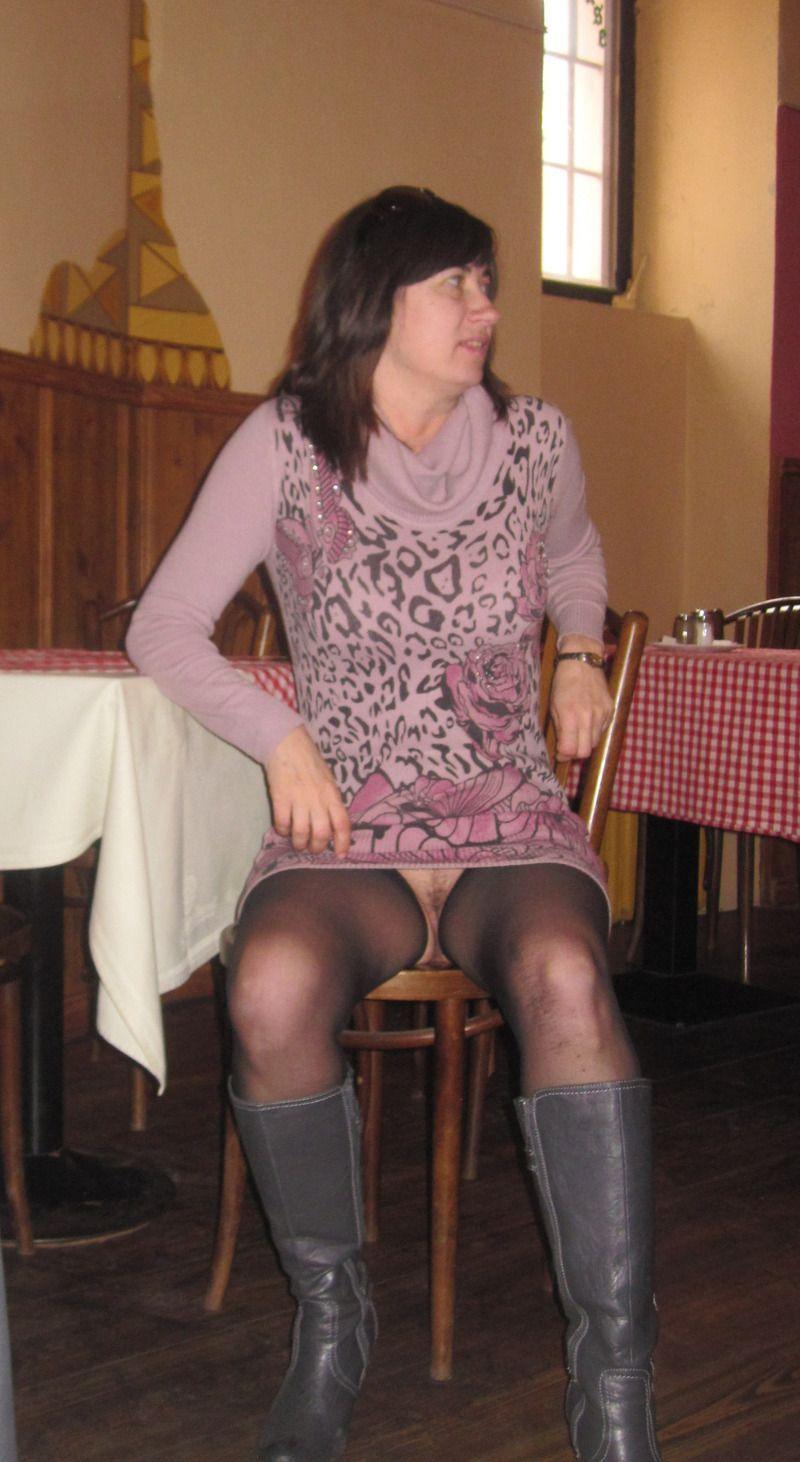 poilues sous les jupes