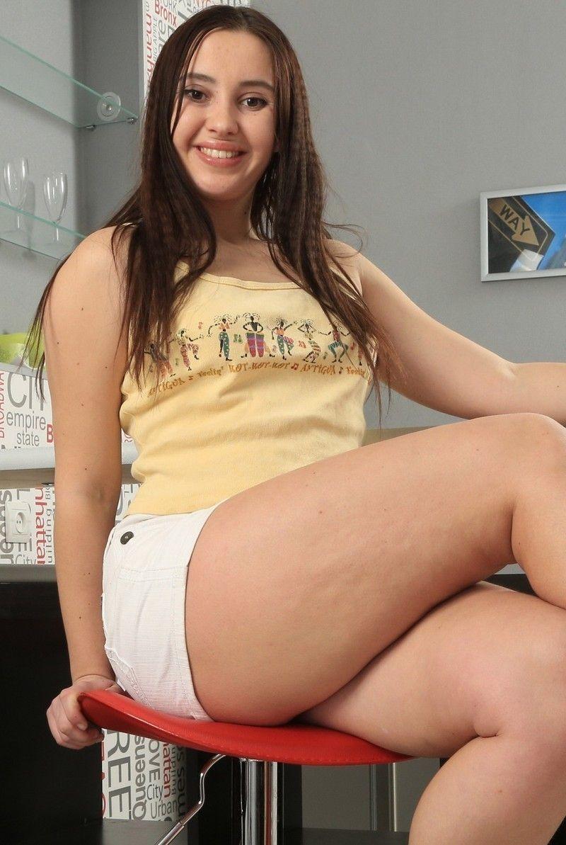 jeune fille salope salope secretaire