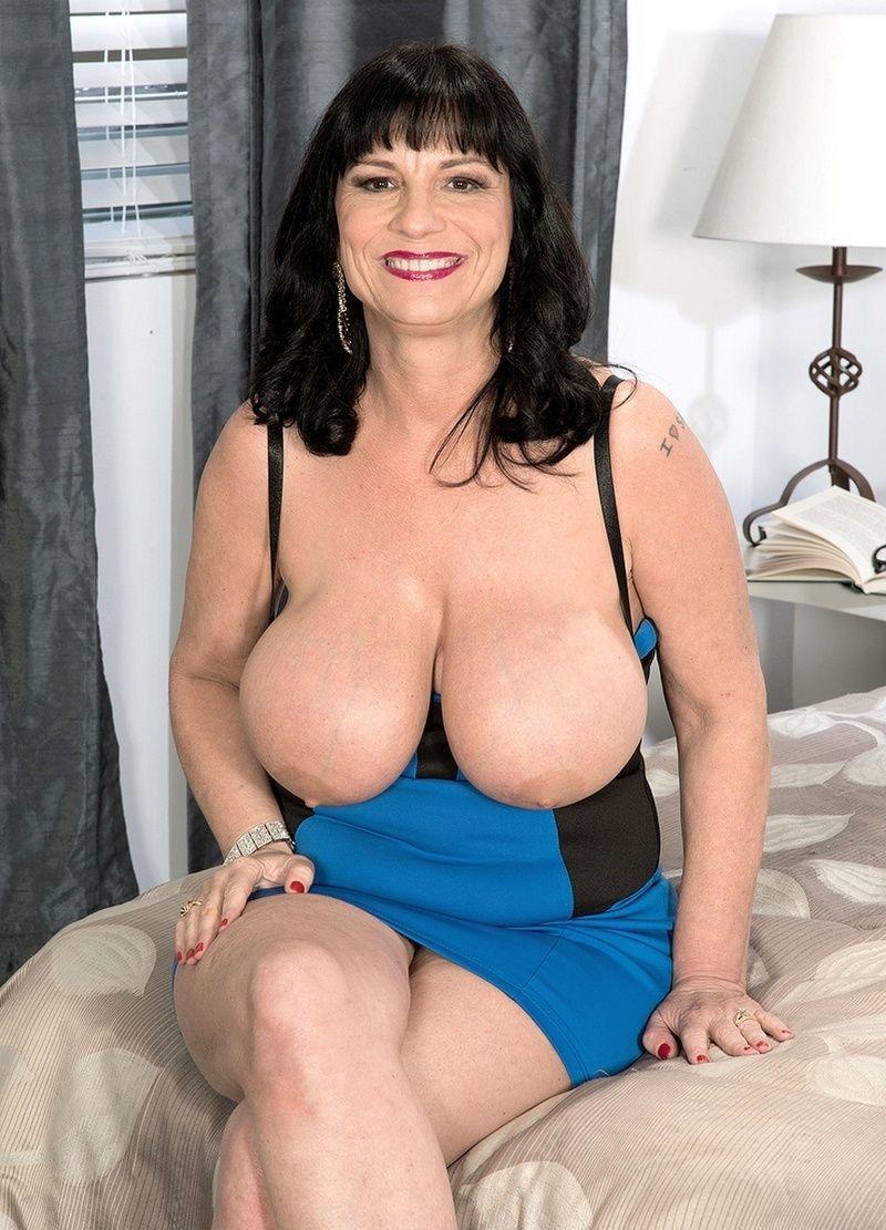 vieille mamie sexe black gros seins