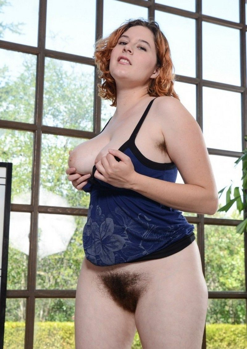 photo femmes pulpeuse nues femme sirene sein nu